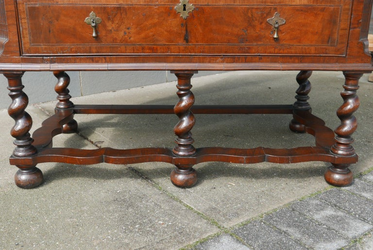 William and Mary Walnut Burl Chest on Stand For Sale 1