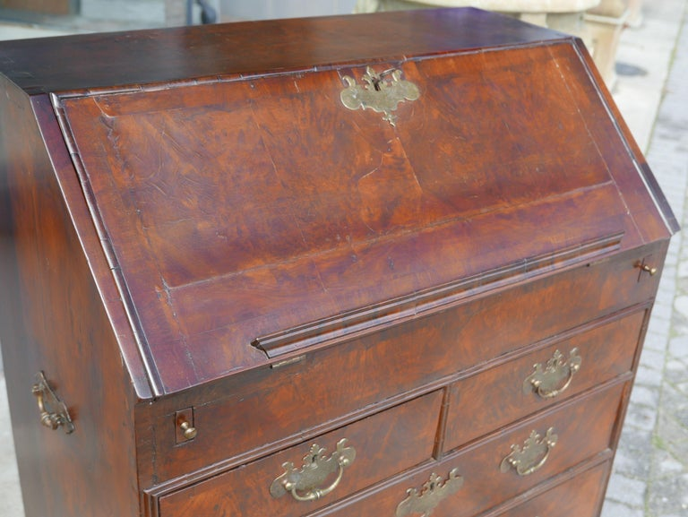 18th Century William and Mary Walnut Burl Slant Front Desk For Sale