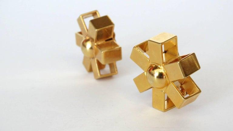 William De Lillo Gold Asterisk Clip Earrings In Excellent Condition For Sale In Scottsdale, AZ