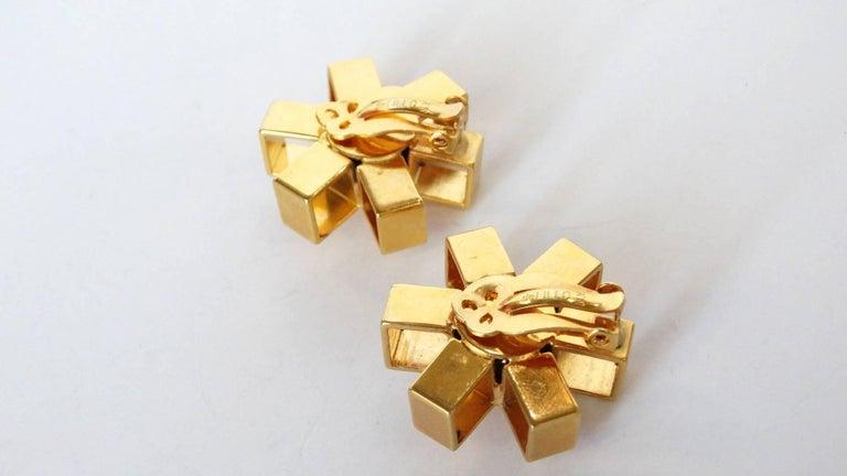 William De Lillo Gold Asterisk Clip Earrings For Sale 4