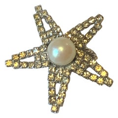 William de Lillo Silver Rhinestone and Pearl Star Cocktail Ring 1970s