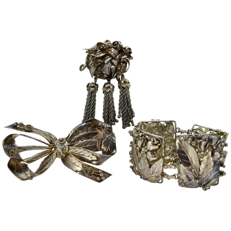 William Hobe of New York Handcrafted Bracelet, Pendant Brooch & Bow Brooch Set For Sale