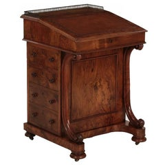 William IV Leather and Walnut Antique Davenport Writing Desk, London, circa 1850