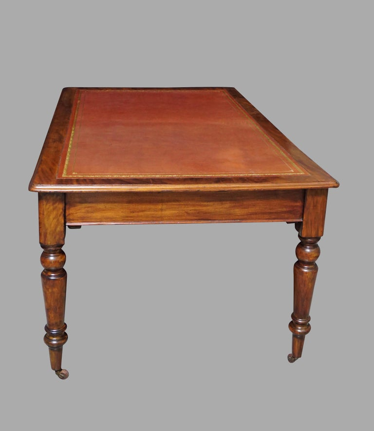 English William IV Mahogany Partners Writing Table with Leather Top For Sale