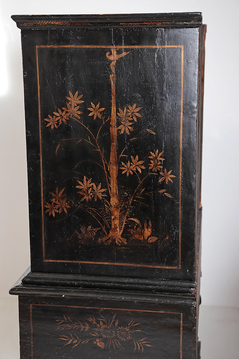 Wood William & Mary Chest on Stand / Black Lacquer and Gilt Chinoiserie Decoration For Sale