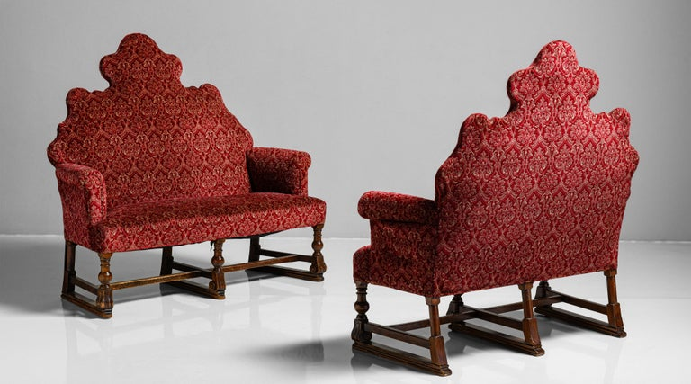 William & Mary Style Sofas, England, circa 1890 In Good Condition For Sale In Culver City, CA