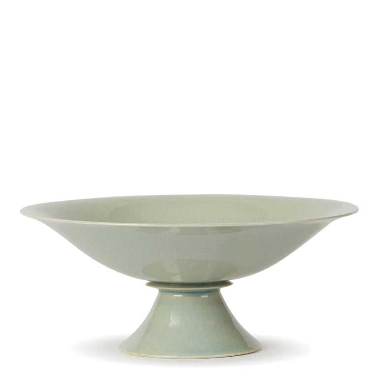 British William Mehornay Studio Pottery Porcelain Celadon Stem Dish, 1974-1975 For Sale
