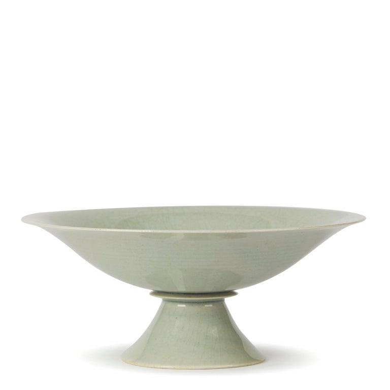 William Mehornay Studio Pottery Porcelain Celadon Stem Dish, 1974-1975 In Excellent Condition For Sale In Bishop's Stortford, Hertfordshire
