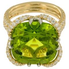William Rosenberg 18 Karat Yellow Gold 17.14 Ct Peridot with AGL Certified Ring