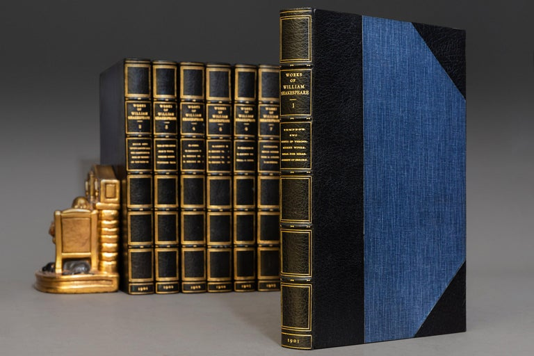 William Shakespeare, The Works In Good Condition For Sale In New York, NY