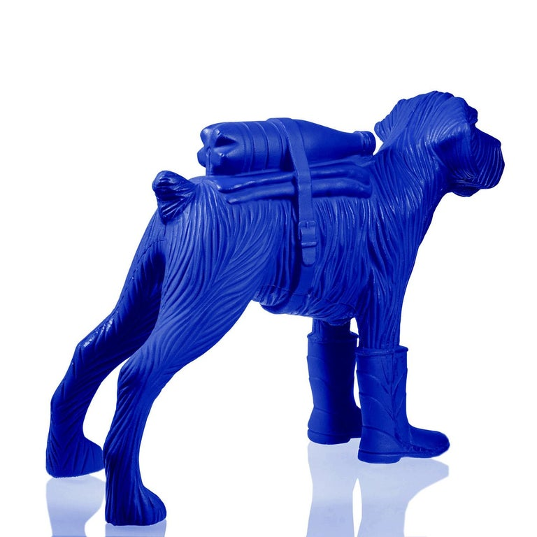 Edition of 200 ex. Free shipment worldwide. Acquired directly from the artist. Recycled plastic.  William Sweetlove, born in Ostend, Belgium, in 1949, unites dadaism with surrealism and pop art in humoristic sculptures that at first sight may seem