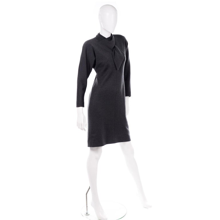 William Travilla Vintage 1970s Charcoal Gray Wool Blend Day Dress w Scarf Tie In Good Condition For Sale In Portland, OR