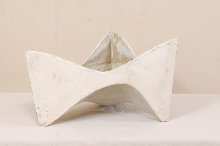 Willy Guhl Abstract Triangular Eternite Planter, Mid-Century In Good Condition For Sale In Atlanta, GA
