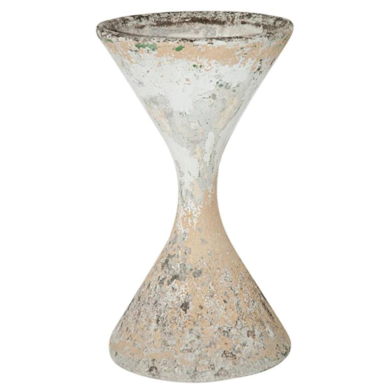 Willy Guhl Diabolo Planter, in Cement, Switzerland 1960, Old Patina, Grey Color For Sale
