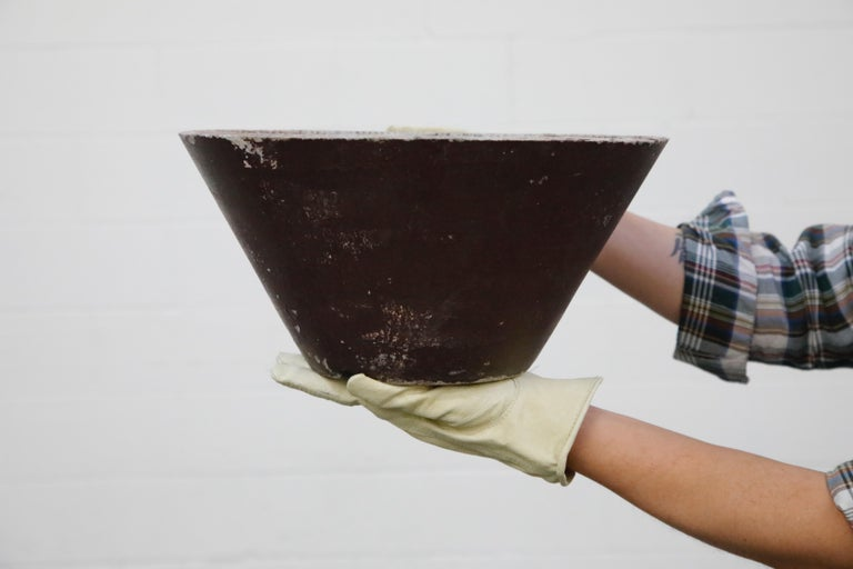 Willy Guhl for Eternit Cone Concrete Planter in Burgundy, circa 1968, Signed For Sale 3