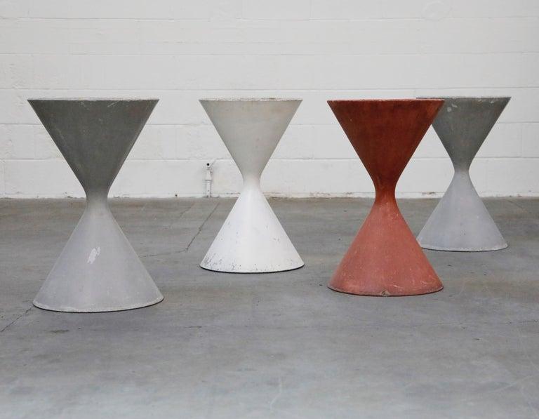 Modern Willy Guhl for Eternit 'Diablo' Model 554 Hourglass Concrete Planter, Signed For Sale