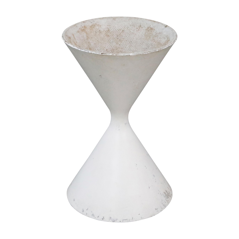 Willy Guhl for Eternit 'Diablo' Model 554 Hourglass Concrete Planter, Signed