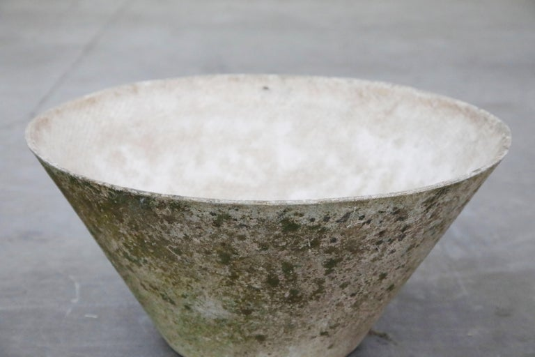 Willy Guhl for Eternit Large Cone Concrete Planters, circa 1968, Signed For Sale 8