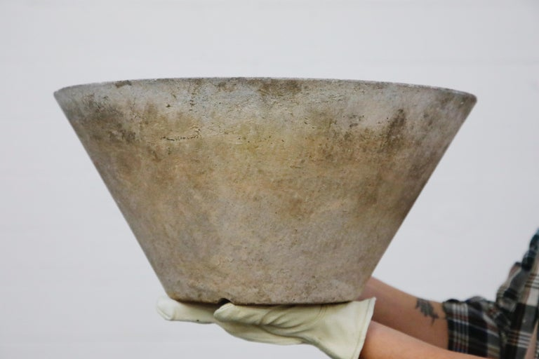 Willy Guhl for Eternit Large Cone Concrete Planters, circa 1968, Signed For Sale 9