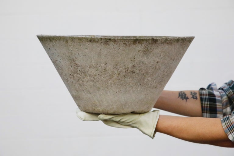 Willy Guhl for Eternit Large Cone Concrete Planters, circa 1968, Signed For Sale 14