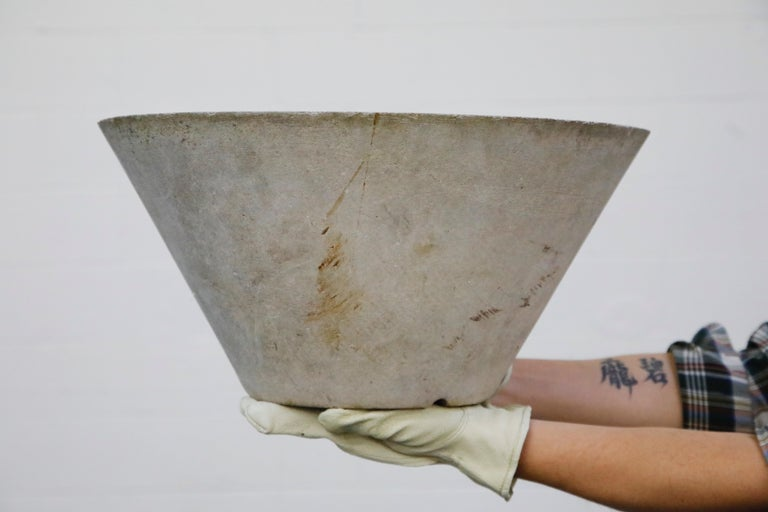 Willy Guhl for Eternit Large Cone Concrete Planters, circa 1968, Signed In Good Condition For Sale In Los Angeles, CA