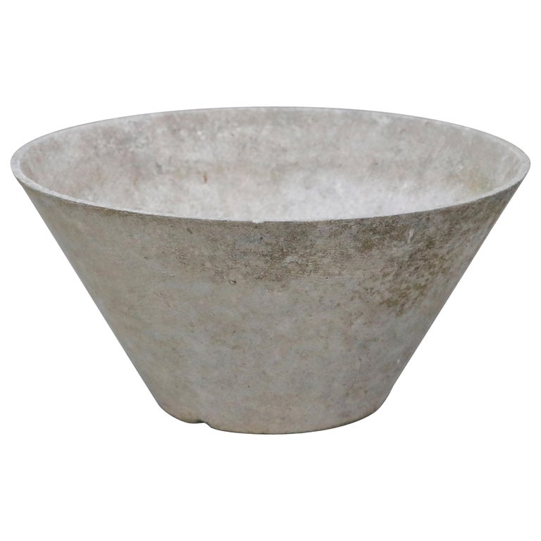 Willy Guhl for Eternit Large Cone Concrete Planters, circa 1968, Signed For Sale