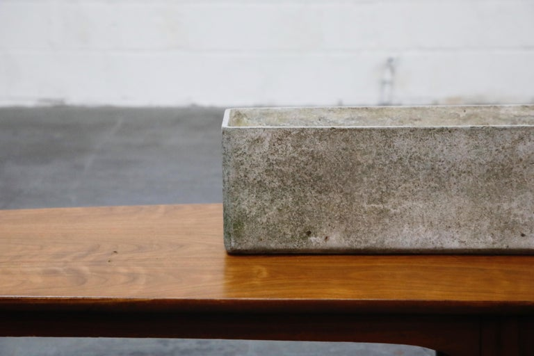 Willy Guhl for Eternit Large Rectangle Concrete Outdoor Handle Planter In Good Condition For Sale In Los Angeles, CA