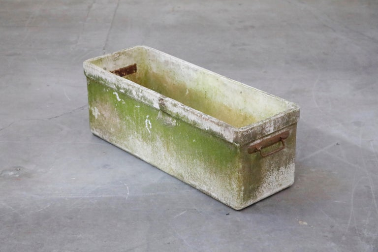 Willy Guhl for Eternit Large Rectangular Planter with Handles, circa 1968 In Good Condition For Sale In Los Angeles, CA
