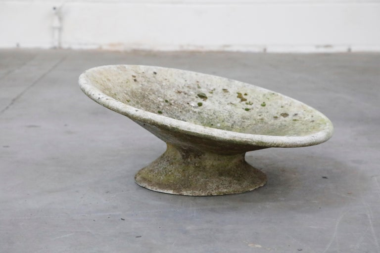 Swiss Willy Guhl for Eternit Low Profile Tilted Concrete Planter, circa 1968 For Sale
