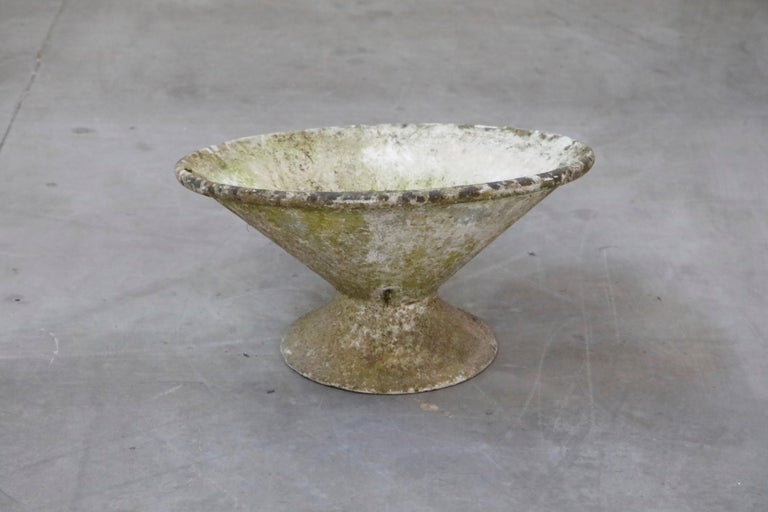 Willy Guhl for Eternit Tilted Concrete Planter, circa 1968 For Sale 2