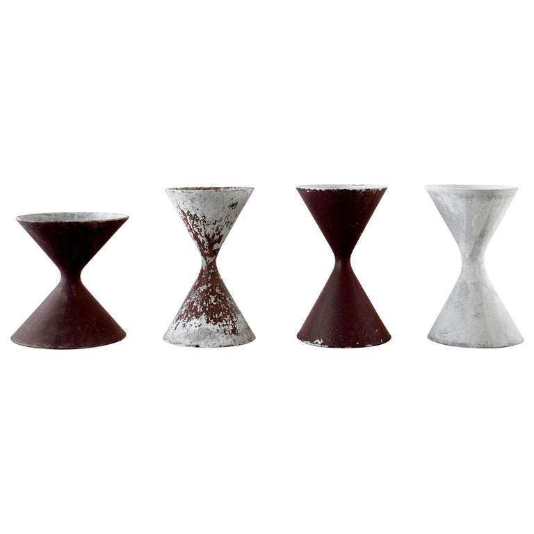 Willy Guhl Hourglass Planter For Sale