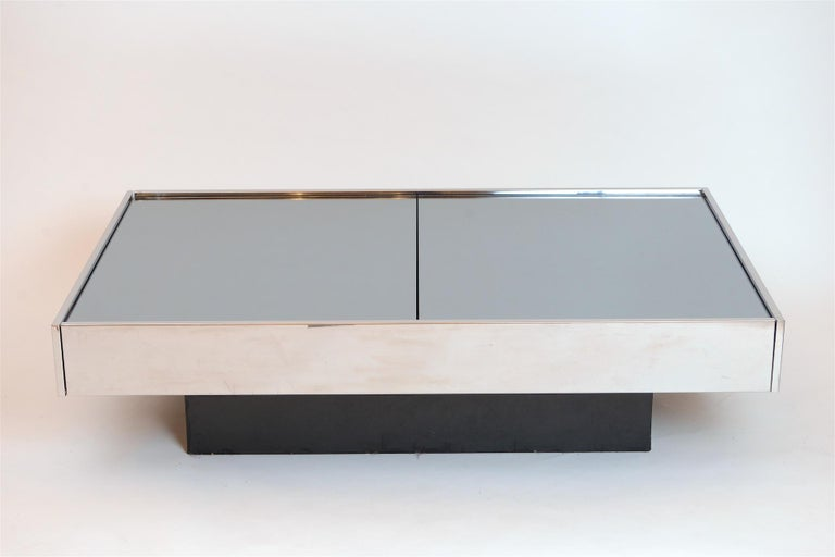 Willy Rizzo Mirrored Bar / Table, circa 1970 In Good Condition For Sale In London, GB