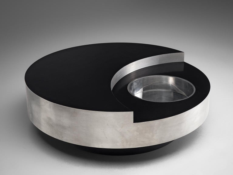 Willy Rizzo, coffee table, metal and lacquer, 1970s, Italy.  This iconic cocktail table is designed by Willy Rizzo. His cocktail tables are amongst his most prolific and therefore most wanted objects. This particular piece is exemplary for the