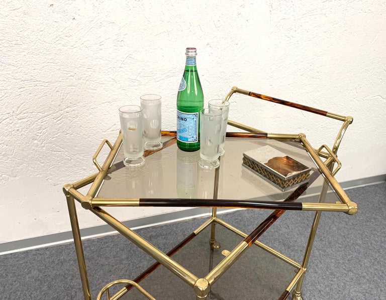 Willy Rizzo Trolley with Service Tray Brass and Lucite Tortoise, Italy, 1980s For Sale 6