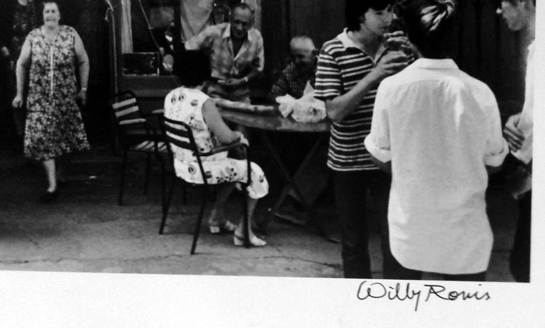 Le Café de France à L'Isle-su, 1979, gelatin silver print, signed by Willy Ronis For Sale 1