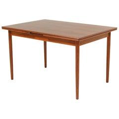 Willy Sigh Draw-Leaf Dining Table for H. Sigh & Søn Møbelfabrik