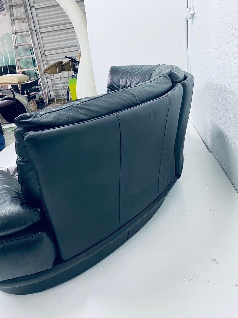 Wilma Salotti Postmodern Black Leather Rounded Back Sectional Sofa, Italy, 1980s For Sale 4