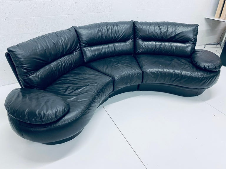 Post-Modern Wilma Salotti Postmodern Black Leather Rounded Back Sectional Sofa, Italy, 1980s For Sale