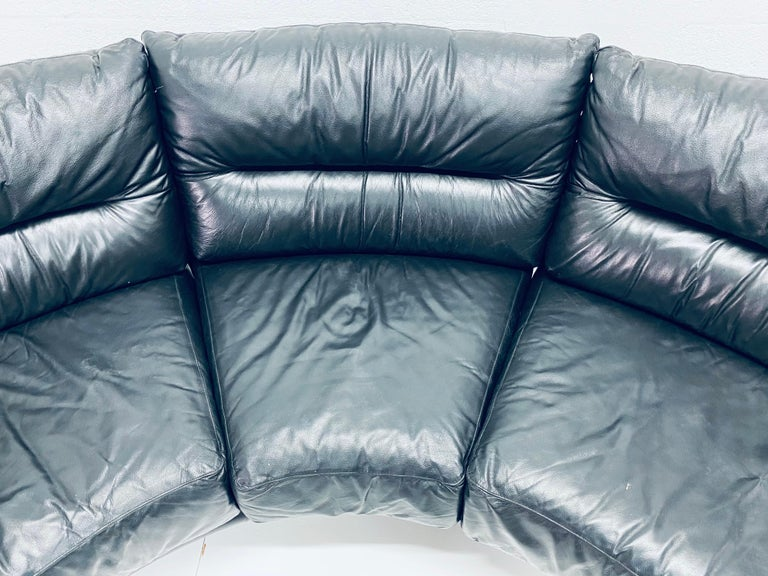 Wilma Salotti Postmodern Black Leather Rounded Back Sectional Sofa, Italy, 1980s For Sale 2