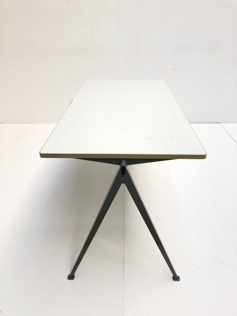 Wim Rietveld 1st Edition Oak Top 'Pyramid' Compass Table Ahrend the Cirkel 1959 For Sale 7