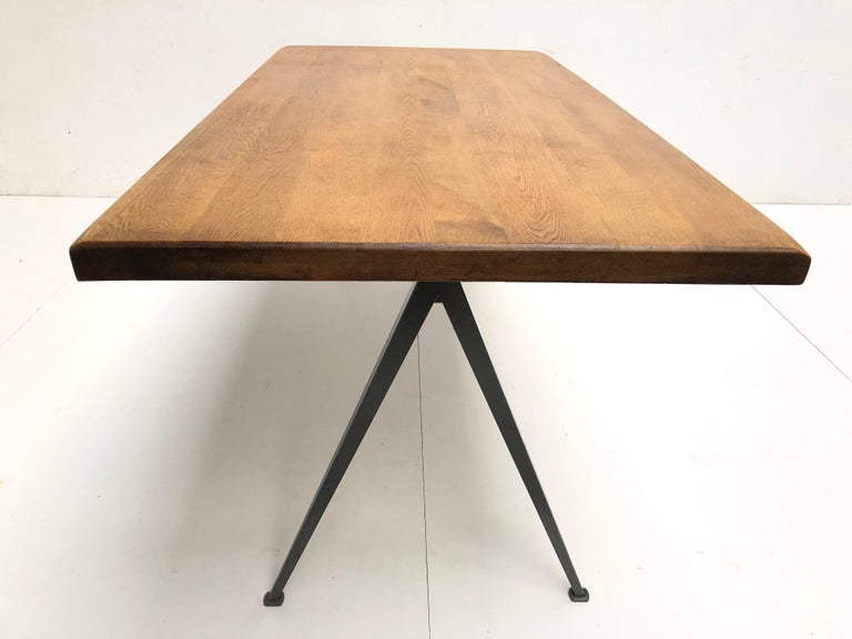 Dutch Wim Rietveld 1st Edition Oak Top 'Pyramid' Compass Table Ahrend the Cirkel 1959 For Sale