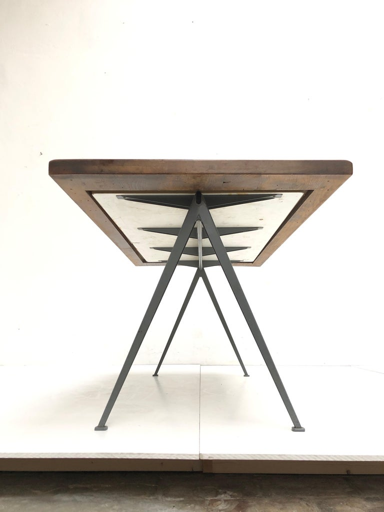 Mid-20th Century Wim Rietveld 1st Edition Oak Top 'Pyramid' Compass Table Ahrend the Cirkel 1959 For Sale