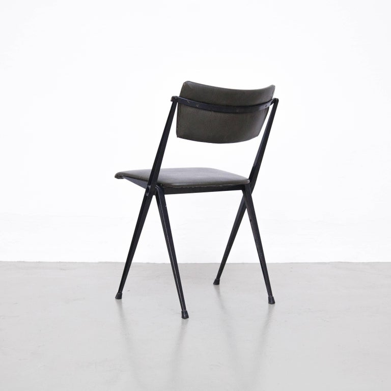 Wim Rietveld Midcentury, Black Grey Pyramid Chair Netherlands, circa 1960s In Good Condition For Sale In Barcelona, Barcelona