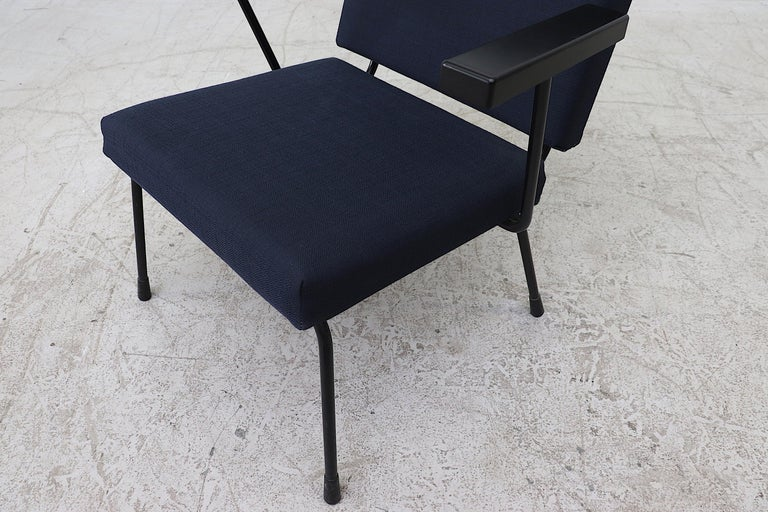 Upholstery Wim Rietveld Model 1401 Lounge Chair for Gispen For Sale