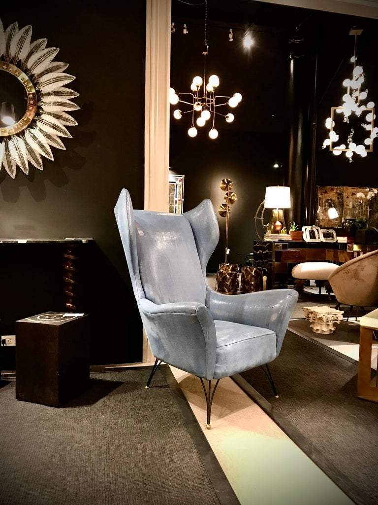 Wingback Chair In Good Condition For Sale In New York, NY