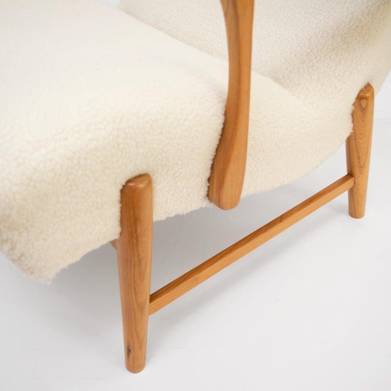 Winged Back Scandinavian Modern Lounge Chair in Faux Sheepskin Fabric 7