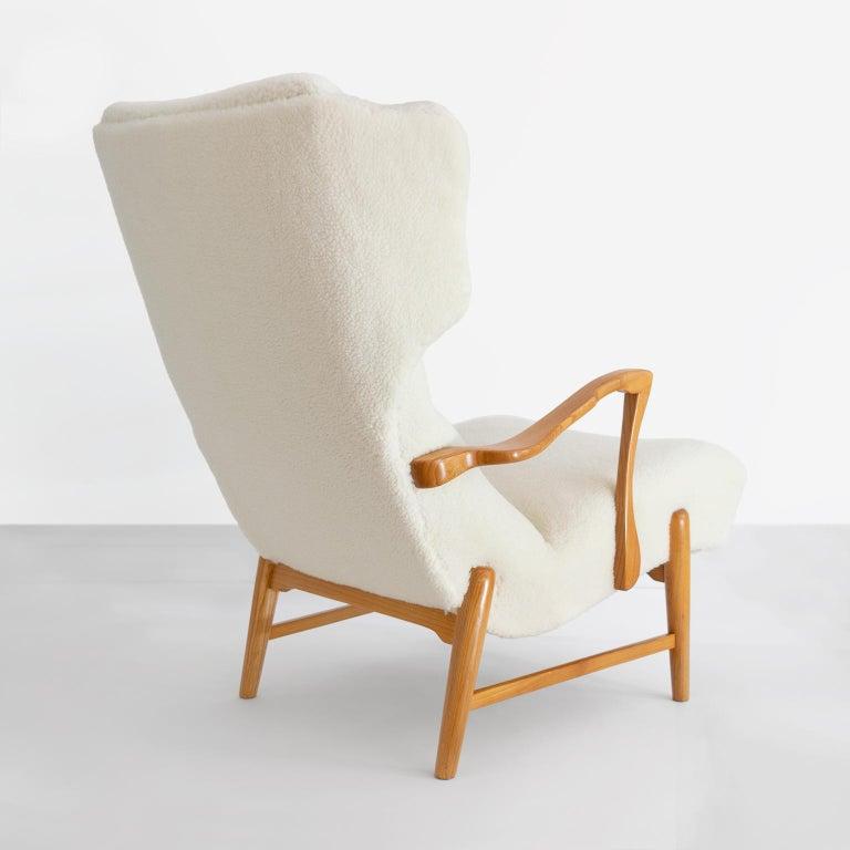 Winged Back Scandinavian Modern Lounge Chair in Faux Sheepskin Fabric 2