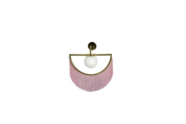 Contemporary Wink Floor Lamp by Masquespacio For Sale