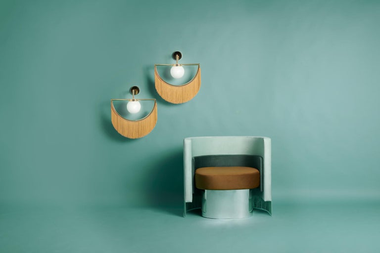 Lamps can wink their eyes, and they can also do it in the most elegant way: with fringes, gold and delicacy. From the collaboration of Masquespacio and Houtique appears wink, a lamp that brings past and future vibes at the same time.  Wink wall