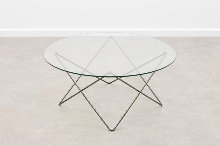 Post-Modern Wire and Glass Round Coffee Table 80s For Sale